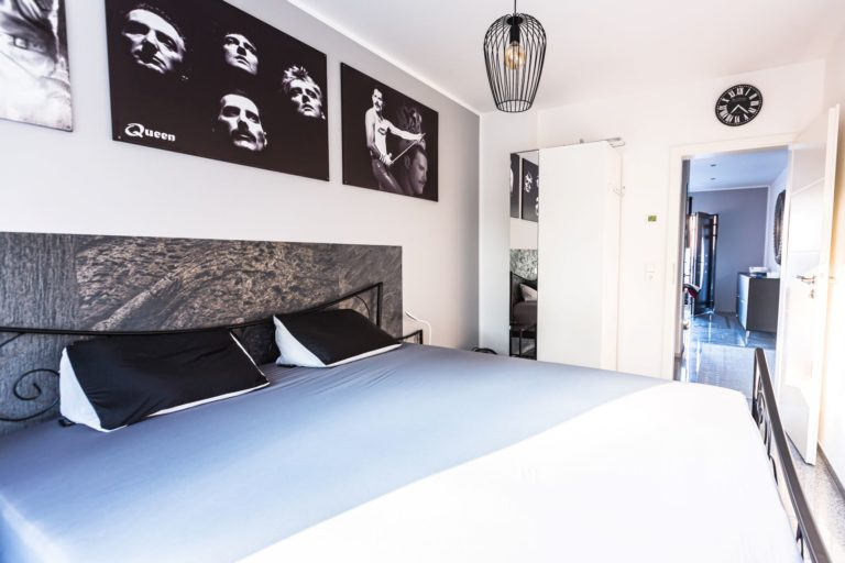 12-Schlafzimmer Queen 2